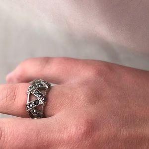 Lia sophia ring — size 7